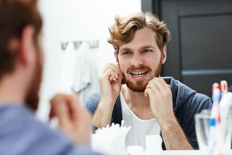Buona igiene dentale per evitare gengive infiammate