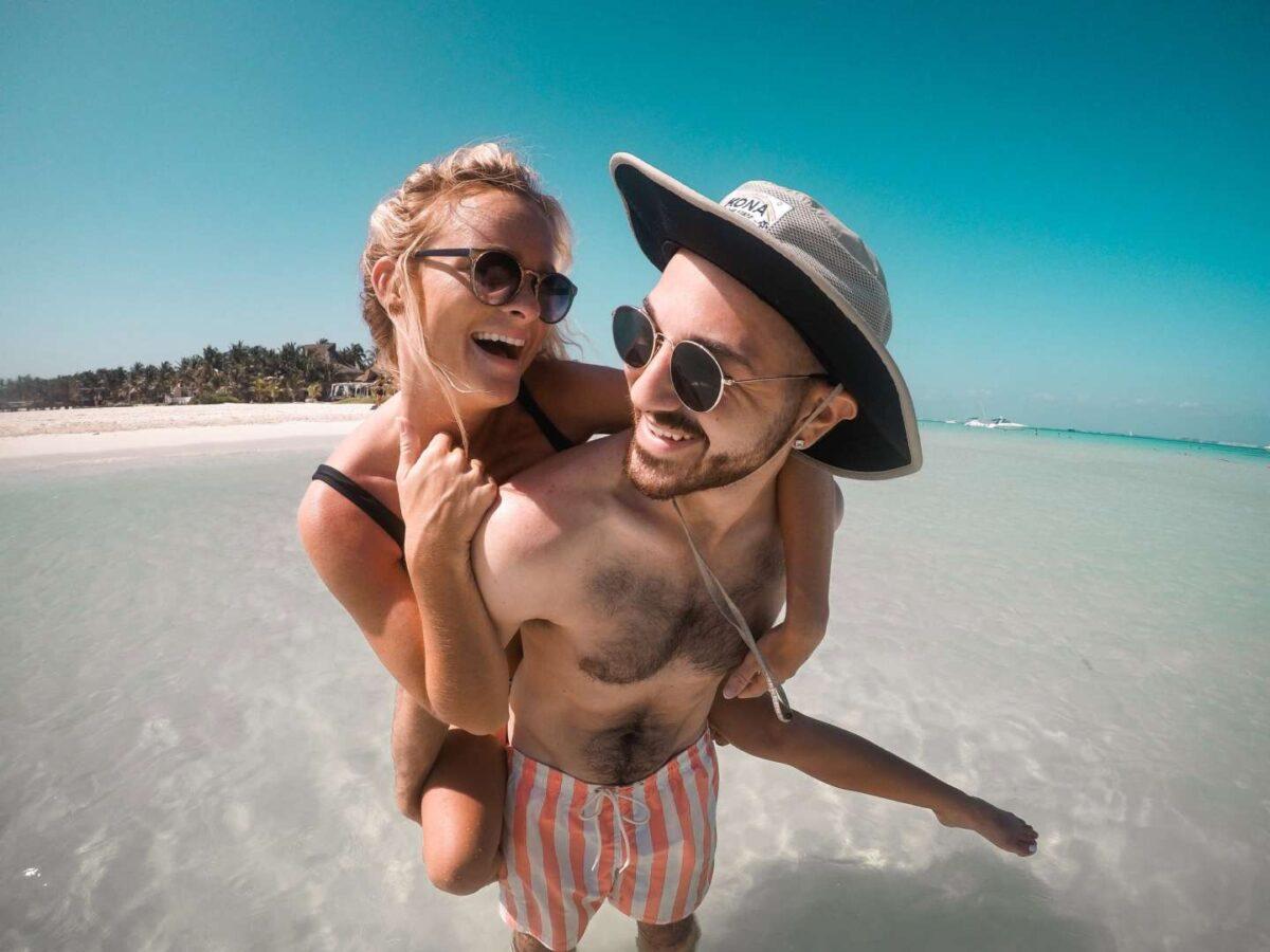 Suggerimenti per mantenere un sorriso sano in vacanza